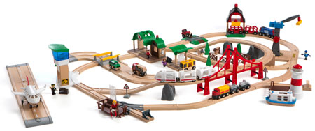 Großes Premium Holzeisenbahn-Set  in einer Holzkiste (Brio)